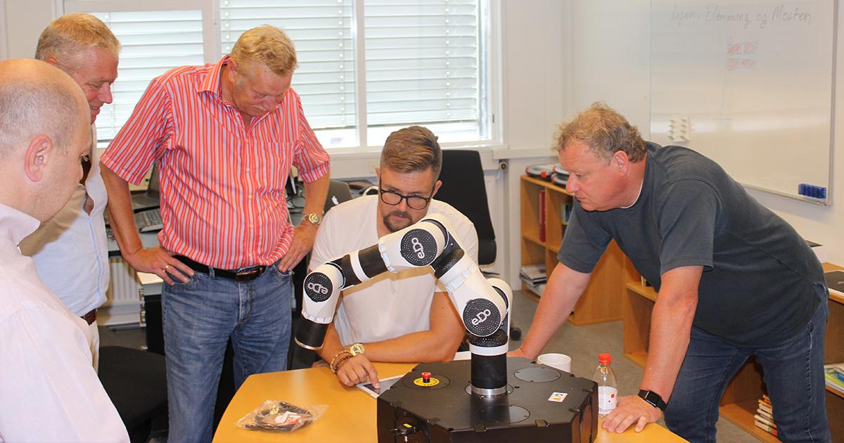 Egatec leverer e.DO robotter til Erhvervsakademi Sjælland